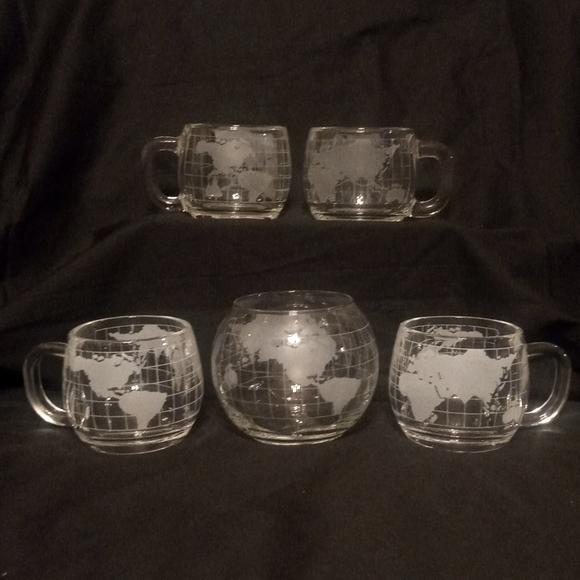 Vintage Nestle Frosted Glass Globe Mug Set